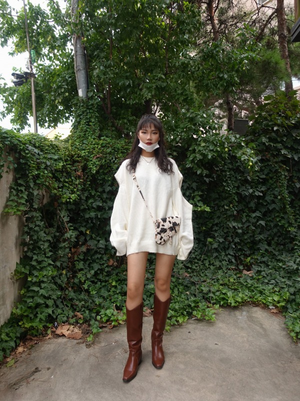 SHOULDER CUT OUT OVERSIZE KNIT (IVORY, BLACK 2COLORS!)