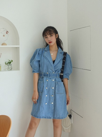 DENIM BACK CUT OUT PUFF DRESS WITH BELT