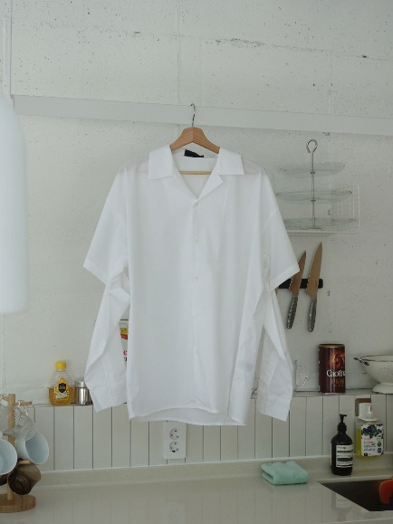 ELBOW CUT OUT OVERFIT SHIRT (WHITE, SORA 2COLORS!)