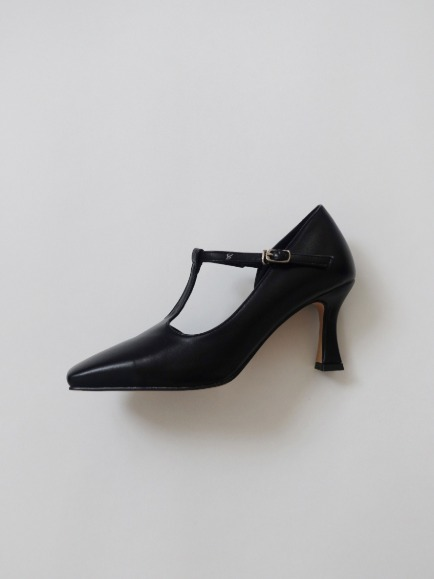 T-STRAP SQUARE TOE MARY JANE HEEL